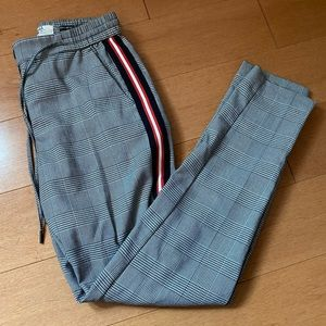 Plaid jogger w side stripe